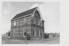 M 12048 School B aan de Binnenweg. Sinds 1950 werd deze school aangeduid als AII. In de hoofdenwoning startte in 1944 ...