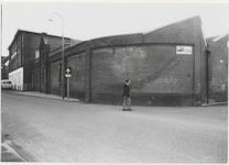 M 3561 Zijaanzicht Metaalwarenfabriek C. Kurz & Co. Links de voorkant van de fabriek gelegen aan de Binnenweg. Geheel ...