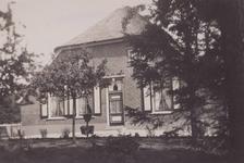 Lie 406 Boerderij aan het begin van de Ommerenveldseweg, vanaf de Tielse kan (rechterzijde). Boerderij is in de jaren ...