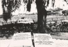 Lie 412 Grafzerken van de familie Lavalette op de begraafplaats rond de N.H.-kerk