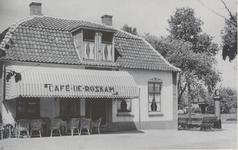 Lie 487 Café De Roskam, door brand verwoest en vervangen door een discotheek, die sinds 2007 gesloten is, inmiddels ...