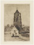 96 Een aanzicht naar het westen op de Sint-Maartenstoren van de Nederlands-hervormde kerk in Tiel. Op de voorgrond een ...