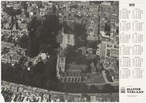 414 Een luchtfoto van de Tielse binnenstad vanuit het zuiden op een kalenderblad, met centraal de Nederlands-hervormde ...
