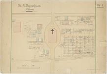 823 Een tekening met een plattegrond van de rooms-katholieke begraafplaats aan de J.D. van Leeuwenstraat in Tiel, met ...