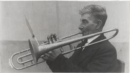 M 12144 Een bejaarde trombonist, naam onbekend