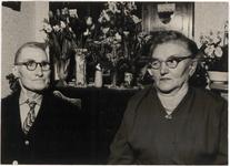 M 12149 Het echtpaar Johanes de Kruijf en Hendrika Johana de Kruijf-Molders wonende aan de Oosterwal in Culemborg viert ...