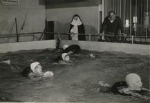M 776 Het overdekte zwembad O.Z.I.T.S., gelegen aan de Hucht
