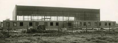 M 791 De Betuwesporthal, gelegen aan de Wadenoijenlaan