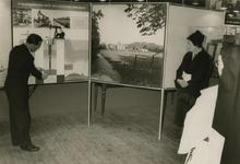 M 837 Vanaf vandaag is in het Gustaaf Adolfgebouw een onderwijstentoonstelling ingericht over de industrie en haar ...