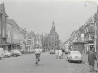 2035 Markt met op de achtergrond het stadhuis