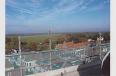 5707 Overzichtsfoto vanaf stadhuis. Links De Vierhoeken. Rechts van het midden staat het Drostehuis. Verder rechts Casa ...