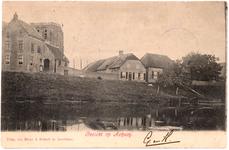 1131 Een prentbriefkaart van Acquoy gezien vanaf de Linge met links de stompe en scheve kerktoren van de ...