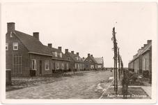 1147 Een prentbriefkaart van de Arie van Drielstraat in Aalst met nieuwbouwwoningen