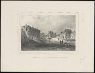 443 Historieprent; gezicht op het binnenterrein met zwaar beschadigde gebouwen; rechts op de voorgrond enkele personen. ...