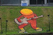 Mozaiëken Fruitcorso 2013. Mozaiek met als titel Daar ziet muziek in , gemaakt door Welzijndiensten Tiel. Gesponsord ...