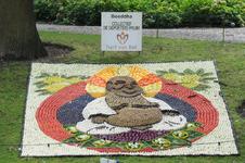 Mozaiëken Fruitcorso 2013. Mozaiek met als titel Boeddha , gemaakt door Collectief de Gepoetste Pruim Tiel. Gesponsord ...