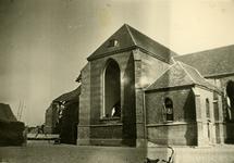 Mobilisatie Kesteren en omgeving : deel van de Nederlands Hervormde Kerk te Opheusden met verwoestingen aan de linkerkant