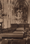 369 Sint Maartenskerk, middenschip met orgel en preekstoel