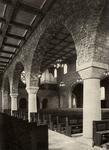 419 Interieur katholieke kerk, middenschip richting kerkorgel