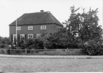 2-15025 [1975-1985]