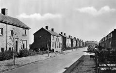 10-1034 Nieuwe woningen gezien vanuit de richting van de Koningin Wilhelminastraat