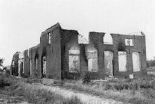3-8 Door oorlog verwoeste woning