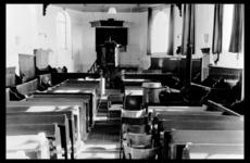 2-350 Hervormde kerk interieur met preekstoel