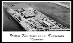 2-353 Luchtfoto Klinker Isolietfabriek. Op de foto is de Klinker-Isoliet al grotendeels afgebroken. Op de hal bij de ...