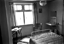 19-1600 Interieur kamer hotel-restaurant De Gouden Molen
