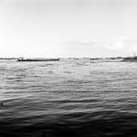 19-1630 Riviergezicht met vrachtboot