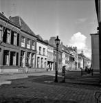 22-9349 Straatgezicht met oude straatlantaarn, noordzijde