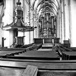 22-9385 Interieur Sint Maartenskerk, met preekstoel en orgel