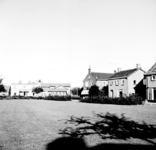 22-9391 Plantsoen, met achterzijde voormalig belastinkantoor aan de Koningin Wilhelminaweg