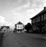 22-9403 Gamerschepoort', toegang tot de binnenstad met hotel Bellevue en geheel rechts het gebouw van de Raad van Arbeid