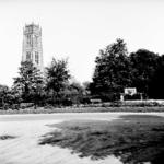 22-9436 Sint Maartenskerk met monument 1813-1913