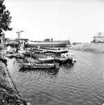 22-9523 Haven met scheepswerf. Afbouw van de op 18 augustus 1968 te water gelaten Coral Meandra bestemd voor Koraal ...