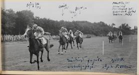 05_016_R_02 Duindigt. Limburg prijs 1900 m. Flying Gal wint (1e prijs â ƒ 500)